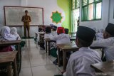 Beban administratif bikin guru tidak fokus mengajar , kata Presiden