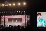 Penyanyi K-Pop Park Ji-hoon malam mingguan di Indonesia