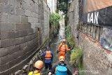 Tim SAR lanjutkan pencarian dua anak yang hanyut di sungai