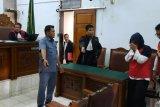 JPU hadirkan tiga saksi sidang istri  bunuh suami dan anak