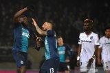 Jadi sasaran rasisme, Striker Porto Marega tinggalkan lapangan