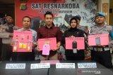 Terhimpit ekonomi, buruh bangunan di Mataram nyambi edarkan sabu