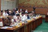 Erick Thohir menargetkan laba BUMN Rp300 triliun 2024