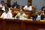 Pemerintah membatalkan pelaksanaan UN 2020