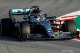 Hamilton tercepat di hari pertama tes pramusim sirkuit Barcelona
