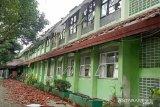 17 ruang kelas SMKN di Cipayung ambruk