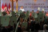 Presiden Joko Widodo serahkan 584.407 sertifikat tanah untuk rakyat se-Indonesia