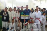 Tim karate Sulteng raih sembilan medali di kejuaraan piala Kajati Sulut