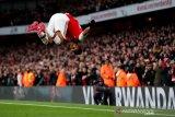 Dwigol Aubameyang antar Arsenal salip Everton di klasemen Liga Inggris