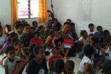 Binmas Noken Polri gelar Polisi Pi Ajar  anak putus sekolah di Timika