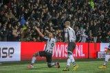 Hasil dan klasemen Liga Belanda,  Ajax tumbang