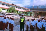 Polres Jayapura sampaikan pesan tertib berlalu lintas di sekolah