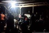 Pencarian nelayan hilang terhambat gelombang pasang