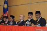 Barisan Nasional dan PAS di Malaysia minta parlemen dibubarkan