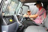 Ganjar serahkan bantuan puluhan kendaraan operasional untuk Polda Jateng