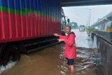 Sebagian Tol Jakarta-Cikampek bisa dilalui kendaraan