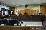 PPK proyek rusun SNVT NTB memberikan kesaksian di persidangan