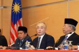 Barisan Nasional dan Pas Minta Parlemen Dibubarkan