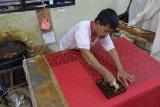 Produksi batik cap