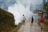 Dinkes Supiori lakukan pengasapan rumah warga di  Pulau Aruri