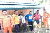 Tim SAR evakuasi tiga korban selamat kecelakaan sungai Wafor di Supiori