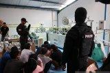 Pabrik masker ilegal datangkan mesin dan bahan dari China