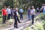 Pemkab Sitaro-Komisioner KPU Sitaro Tinjau Lokasi Pembangunan Kantor KPU