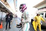 Mobil Mercedes mogok dalam tes Barcelona