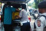 Seorang pengendara motor tewas seketika usai terlindas bus