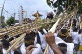 Tradisi Mekotek di Badung diikuti ribuan warga