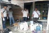 Polres Gunung Kidul menggerebek rumah produksi minuman keras