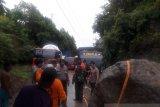 Akses transportasi bagian barat Gorontalo Utara putus akibat tertutup longsor