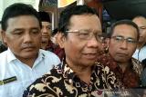 Untuk menuju Indonesia Emas harus bersatu, kata Menko Polhukam