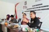 Komisioner KPU Pandeglang melakukan tes wawancara kepada calon anggota PPK