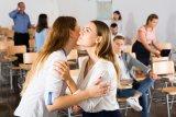 Jepang larang ciuman di bar