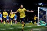 Napoli tertarik gantikan Kalidou Koulibalu dengan bek Arsenal