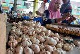 Harga bawang putih di Agam turun Rp10 ribu per kilogram