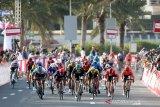 Dikarantina lantaran corona, manajer tim balap sepeda ancam mogok makan