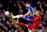 Chelsea perpanjang kontrak Giroud dan Caballero hingga 2021