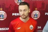 Pemain Persija Jakarta Marc Klok belajar bahasa Indonesia dari Otavio Dutra
