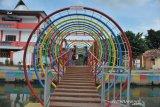 Jembatan hias jaga lingkungan di Palembang