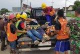 Dua pekerja pemasang tiang kabel  Telkom tewas tersengat listrik PLN