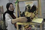 Sepatu karya Desainer Lokal di Palembang Fashion Week