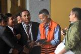 Presiden Jokowi melantik Kadek Wiarsa Rakasandi sebagai Komisioner KPU