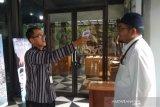 Pengunjung di Candi Borobudur dideteksi dengan pemindai suhu tubuh