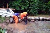 Tanggul sungai jebol akibatkan banjir di Sumpiuh