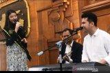 Tiara, Runner up Indonesian Idol senang dapat tawaran nyanyikan lagu karya Wagub Jatim