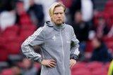 Ajax perintahkan pelatih dan dua anggota staf jauhi klub akibat virus corona