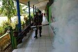 TNI lakukan pengasapan rumah dan sekolah untuk cegah malaria di  perbatasan
