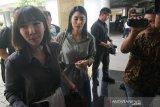 Dua artis Gisel-Tyas Mirasih akui tak kenal tersangka kasus pembobol kartu kredit
